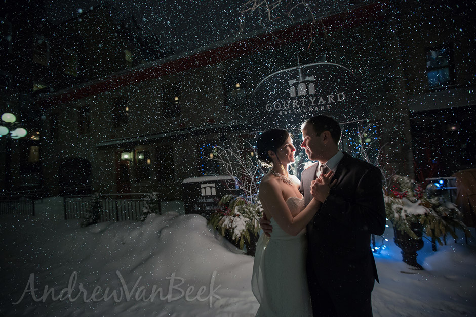 A Courtyard Winter Wedding (9)